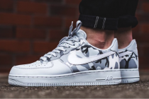 nike air force on foot