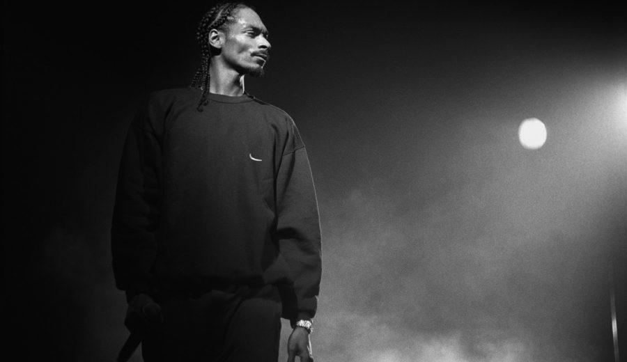 Snoop stood on stage